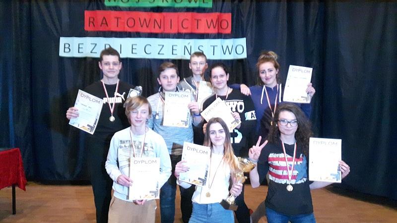 Ilustracja do informacji: Zwycięstwo uczniów z Gimnazjum nr 1 w Pierwszych Otwartych Mistrzostwach w Strzelectwie Sportowym