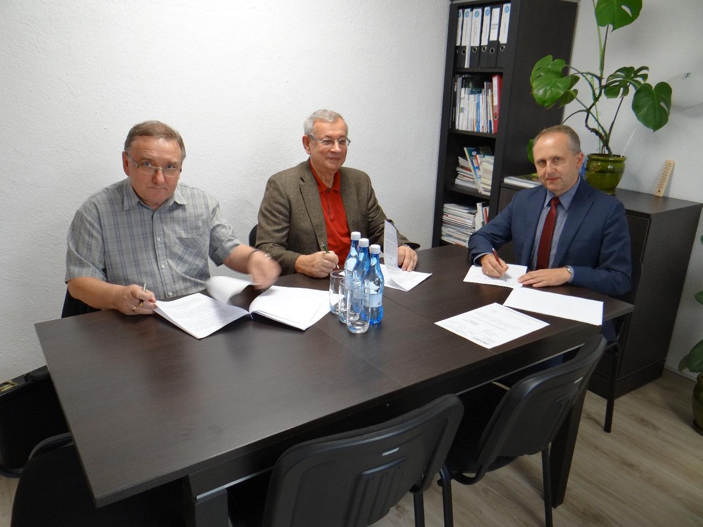 Ilustracja do informacji: Umowa na dokumentację projektową na budowę kanalizacji sanitarnej w Henrykowie podpisana