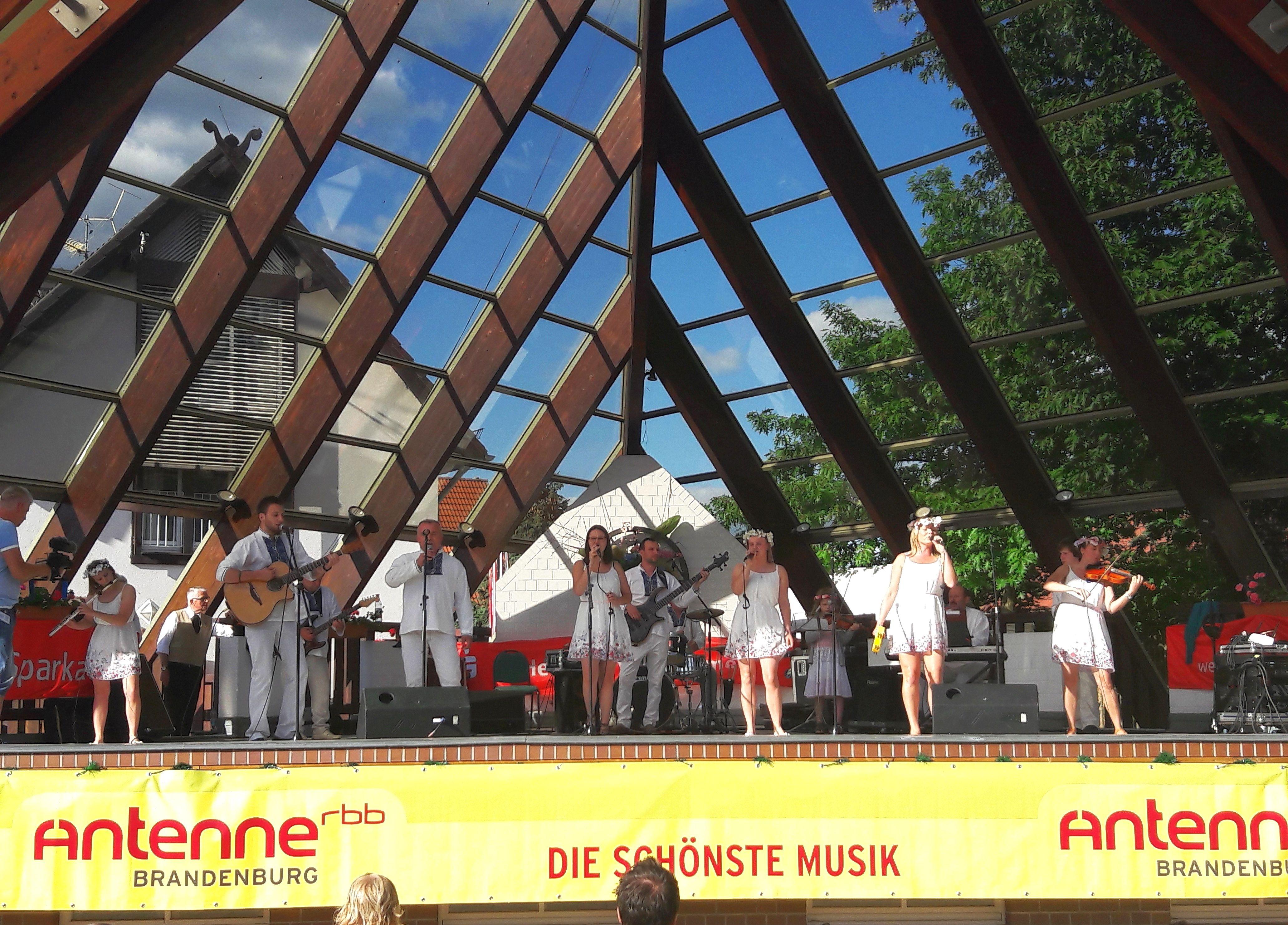 Ilustracja do informacji: Fajna Ferajna na Festiwalu Folkloru w Niemczech