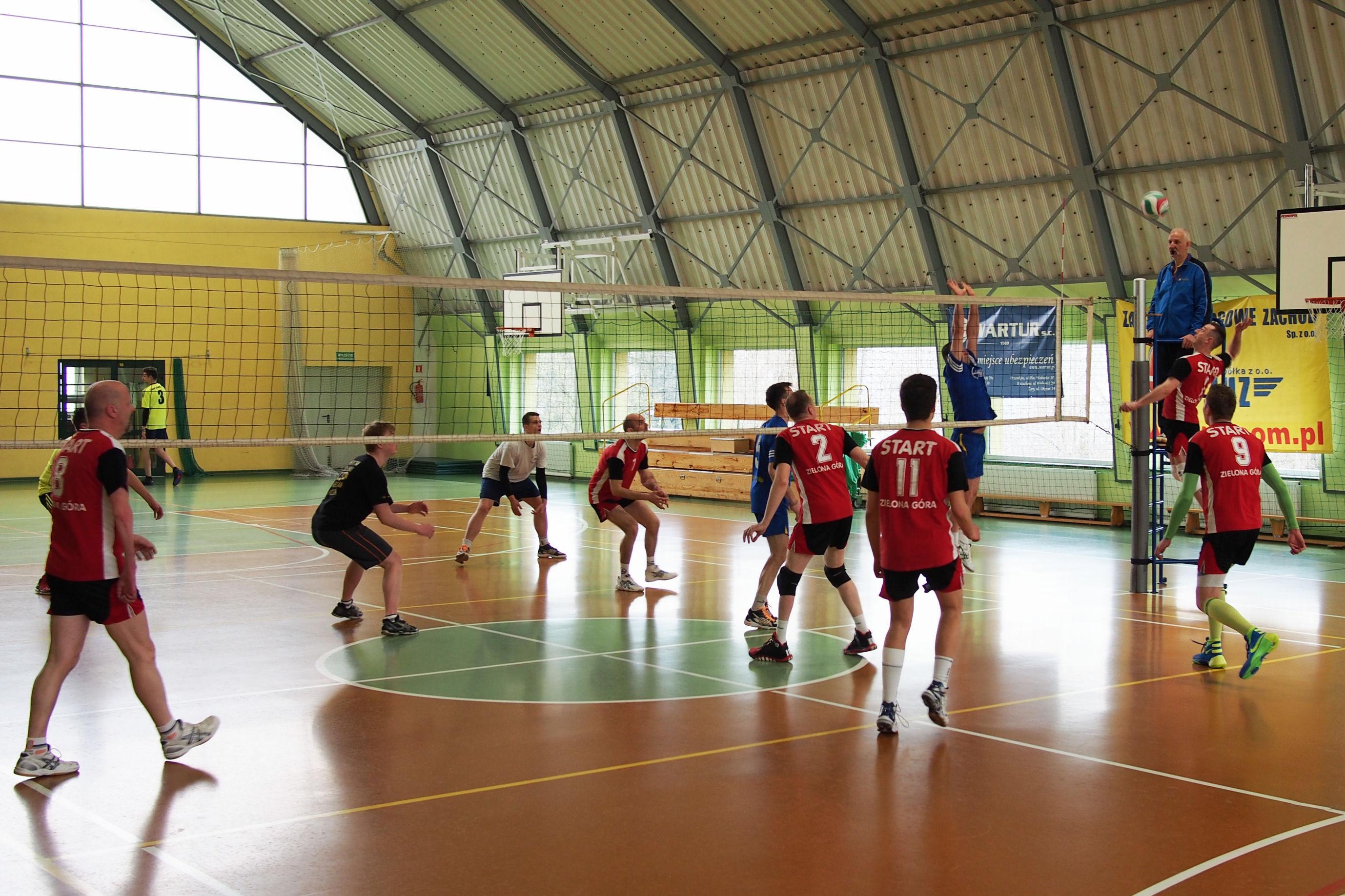 Ilustracja do informacji: Turniej piłki siatkowej