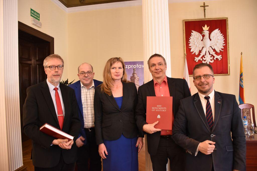 Ilustracja do informacji: O szprotawskich zabytkach w TVP Gorzów