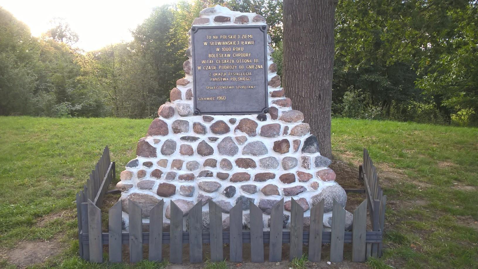 Ilustracja do informacji: Pomnik odrestaurowany