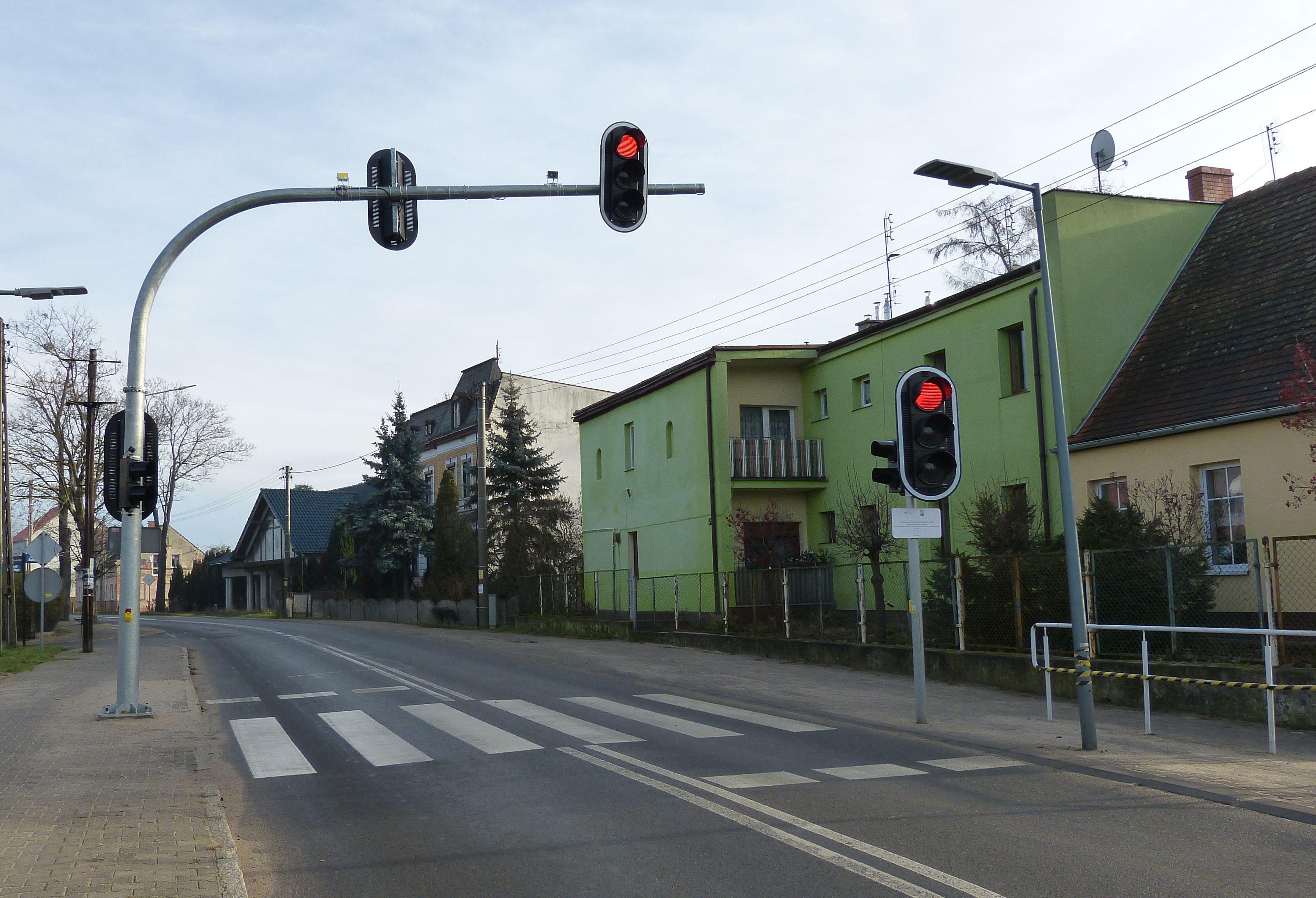 """Ilustracja do informacji: Bezpieczne przejścia dla pieszych z systemem """"all red"""""""