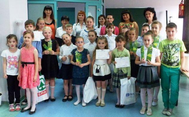Ilustracja do informacji: Międzyszkolny Konkurs Recytatorski z okazji Europejskiego Dnia Sąsiada
