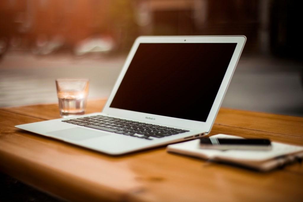 Ilustracja do informacji: Dotacja na kolejne laptopy dla szprotawskich szkół