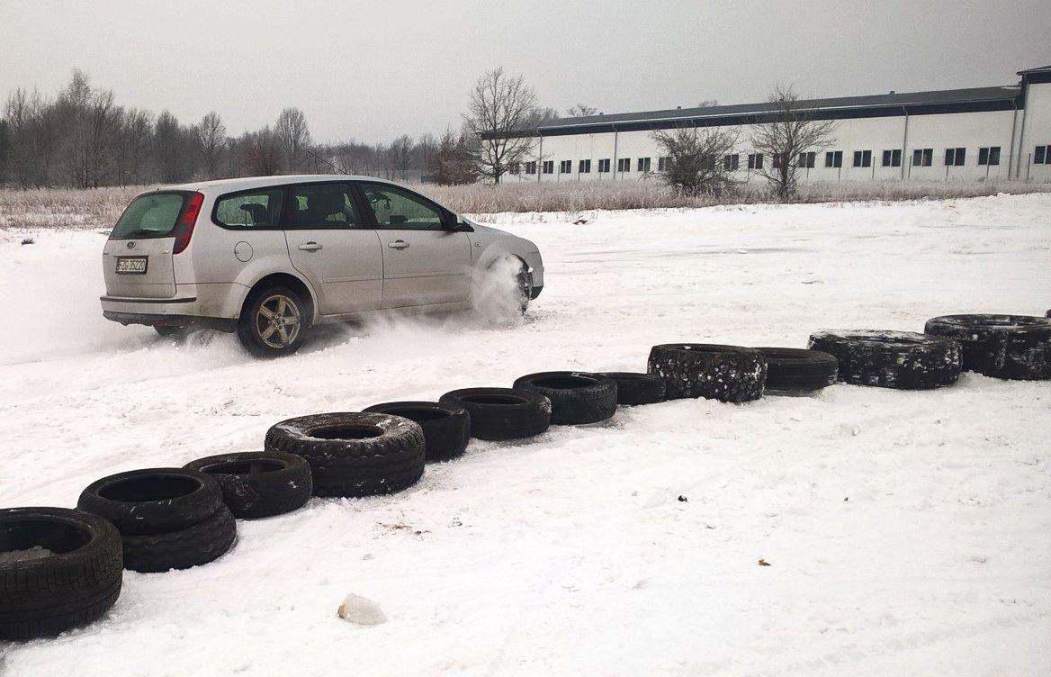Ilustracja do informacji: Tor do jazdy zimowej w Szprotawie!!!