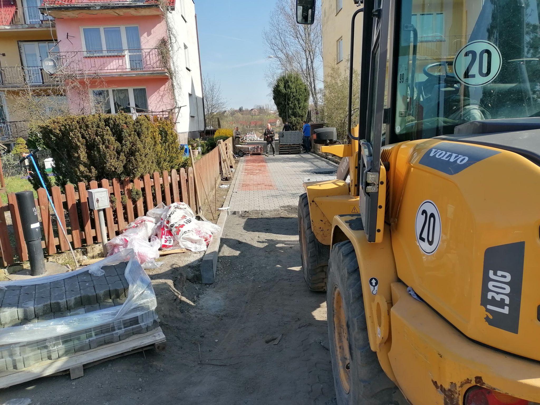 Ilustracja do informacji: Już wkrótce do użytku oddana zostanie wybudowana od podstaw droga na Sowinach!