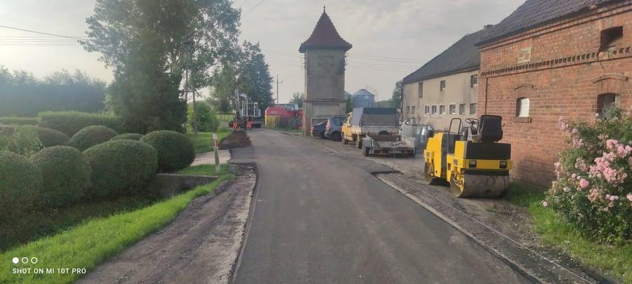 Ilustracja do informacji: Kolejna droga w Siecieborzycach