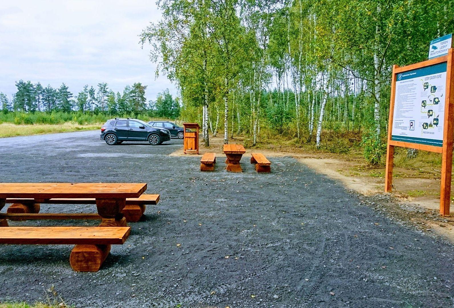 Ilustracja do informacji: Pętla z nowym parkingiem i ławami!